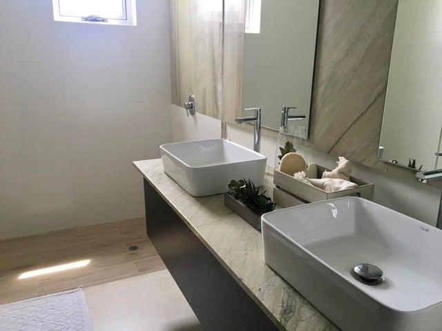 PANAMA VIP10, S.A. Casa en Venta en Costa Sur en Panama Código: 17-5740 No.9