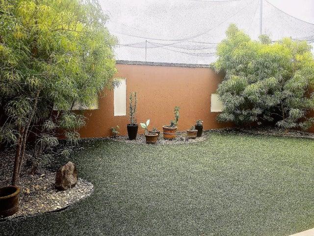 PANAMA VIP10, S.A. Casa en Venta en Versalles en Panama Código: 17-5774 No.9