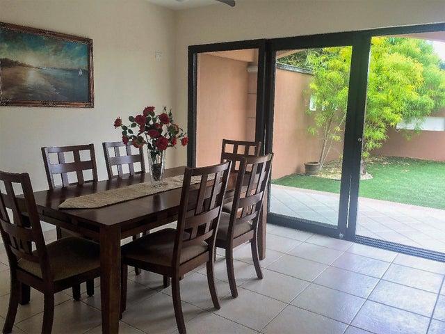 PANAMA VIP10, S.A. Casa en Venta en Versalles en Panama Código: 17-5774 No.4