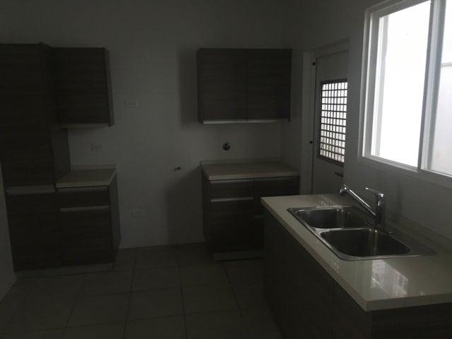 PANAMA VIP10, S.A. Casa en Venta en Brisas Del Golf en Panama Código: 17-5834 No.4