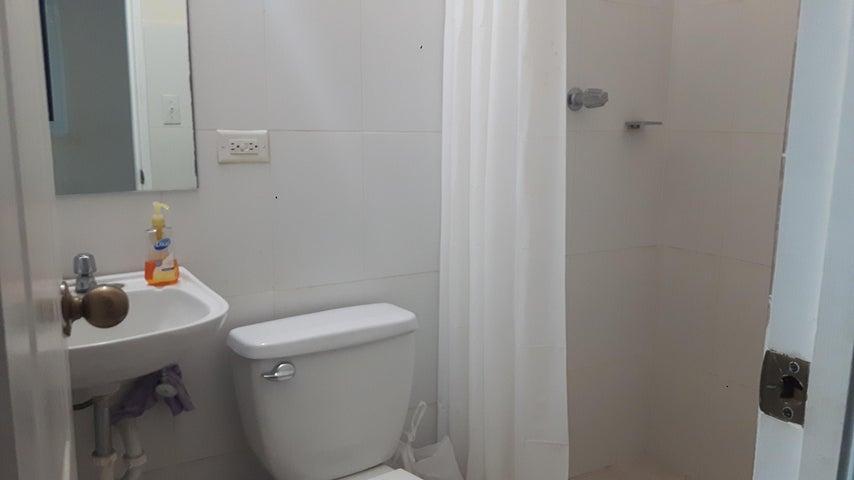 PANAMA VIP10, S.A. Apartamento en Venta en Costa del Este en Panama Código: 17-5898 No.9