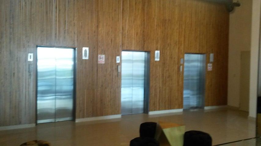 PANAMA VIP10, S.A. Oficina en Venta en Ancon en Panama Código: 17-5926 No.4