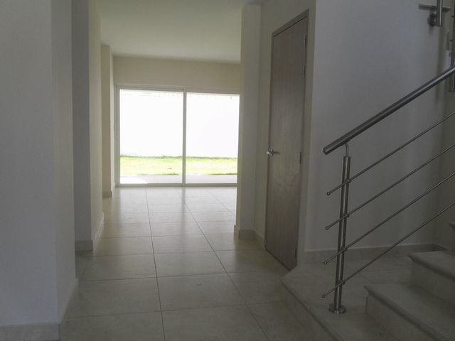 PANAMA VIP10, S.A. Casa en Venta en Versalles en Panama Código: 17-5937 No.3