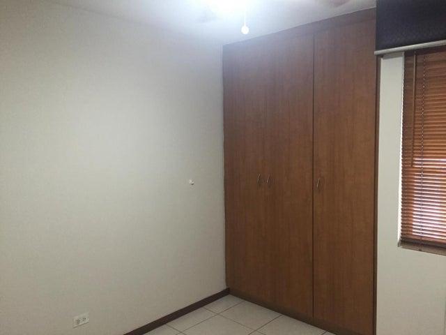 PANAMA VIP10, S.A. Apartamento en Alquiler en Punta Pacifica en Panama Código: 17-5943 No.9