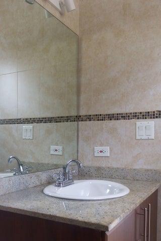PANAMA VIP10, S.A. Apartamento en Alquiler en Obarrio en Panama Código: 17-4324 No.7