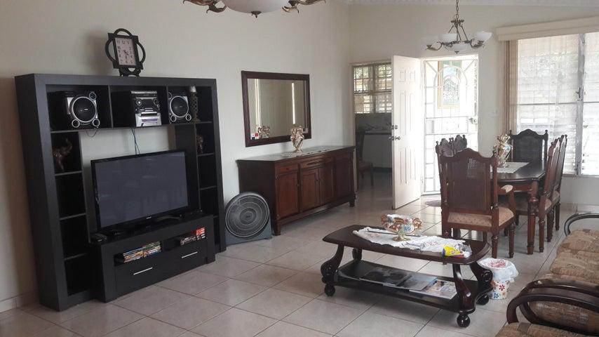 PANAMA VIP10, S.A. Casa en Venta en Brisas Del Golf en San Miguelito Código: 17-6000 No.1