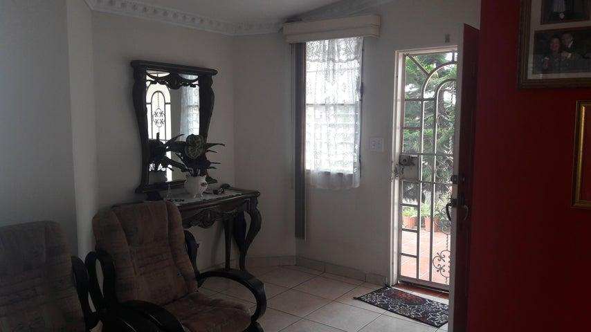 PANAMA VIP10, S.A. Casa en Venta en Brisas Del Golf en San Miguelito Código: 17-6000 No.5