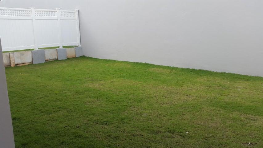 PANAMA VIP10, S.A. Casa en Venta en Brisas Del Golf en Panama Código: 17-6035 No.8