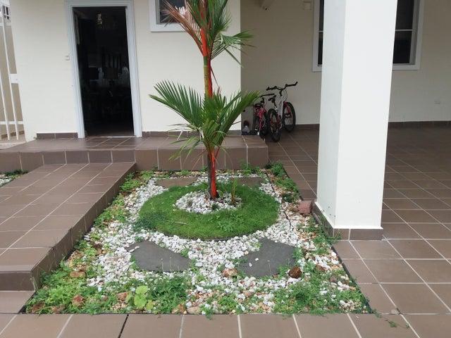 PANAMA VIP10, S.A. Casa en Venta en Brisas Del Golf en Panama Código: 17-6100 No.1