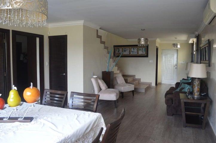 PANAMA VIP10, S.A. Casa en Venta en Brisas Del Golf en Panama Código: 17-6100 No.3