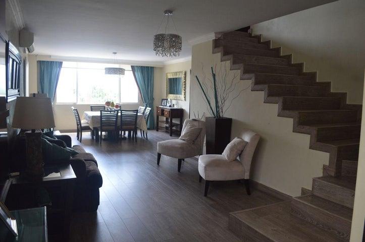 PANAMA VIP10, S.A. Casa en Venta en Brisas Del Golf en Panama Código: 17-6100 No.2