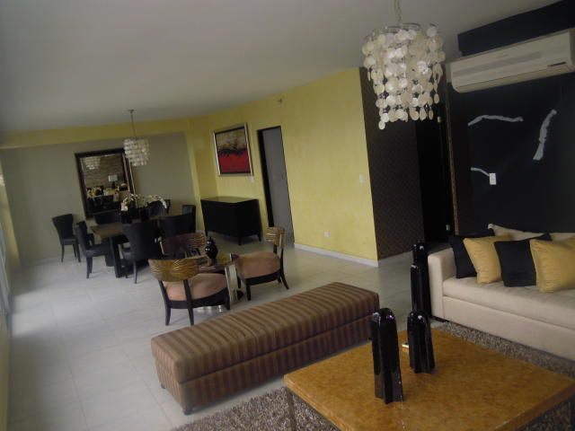 PANAMA VIP10, S.A. Apartamento en Alquiler en El Cangrejo en Panama Código: 17-6109 No.2