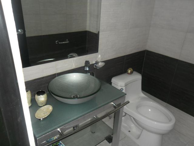 PANAMA VIP10, S.A. Apartamento en Alquiler en El Cangrejo en Panama Código: 17-6109 No.9
