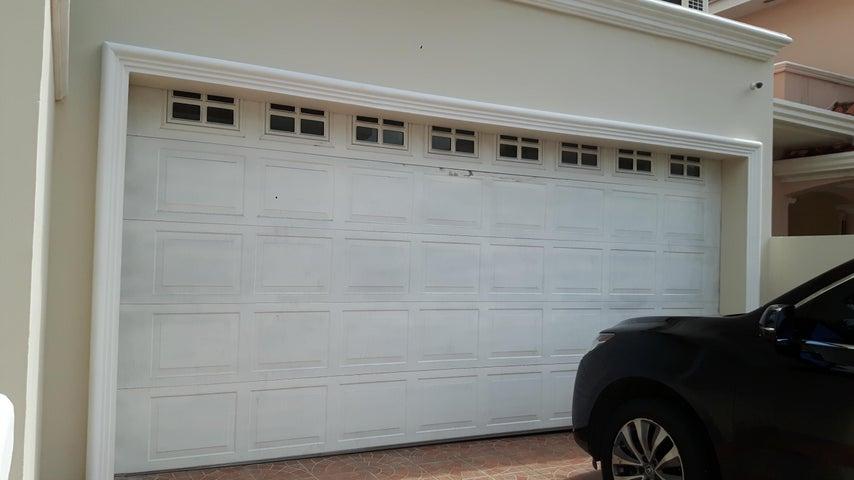 PANAMA VIP10, S.A. Casa en Venta en Altos de Panama en Panama Código: 17-6137 No.2