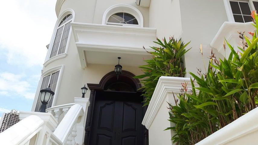 PANAMA VIP10, S.A. Casa en Venta en Altos de Panama en Panama Código: 17-6137 No.3