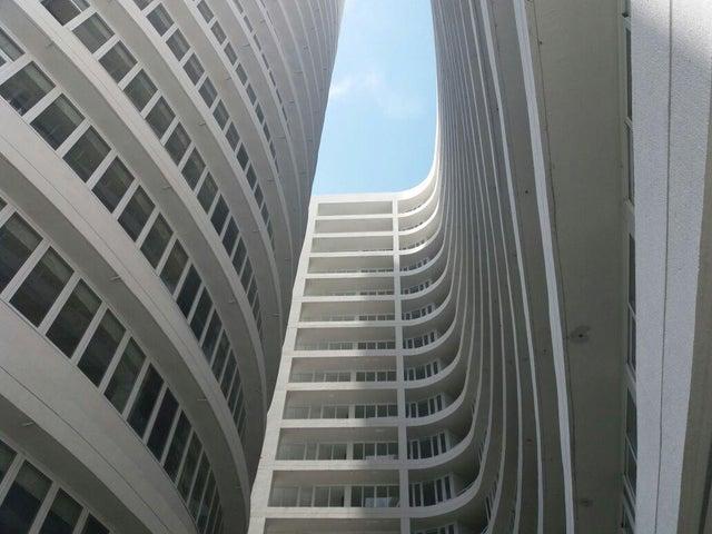 PANAMA VIP10, S.A. Apartamento en Venta en Calidonia en Panama Código: 17-2598 No.0