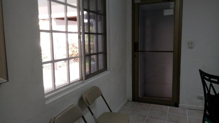 PANAMA VIP10, S.A. Casa en Venta en Betania en Panama Código: 17-6151 No.1