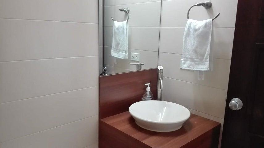 PANAMA VIP10, S.A. Apartamento en Alquiler en Costa del Este en Panama Código: 17-6449 No.9