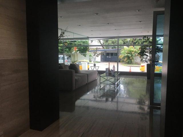 PANAMA VIP10, S.A. Apartamento en Alquiler en El Cangrejo en Panama Código: 17-6174 No.2