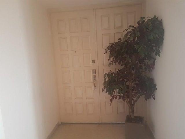 PANAMA VIP10, S.A. Apartamento en Alquiler en Paitilla en Panama Código: 17-6192 No.2