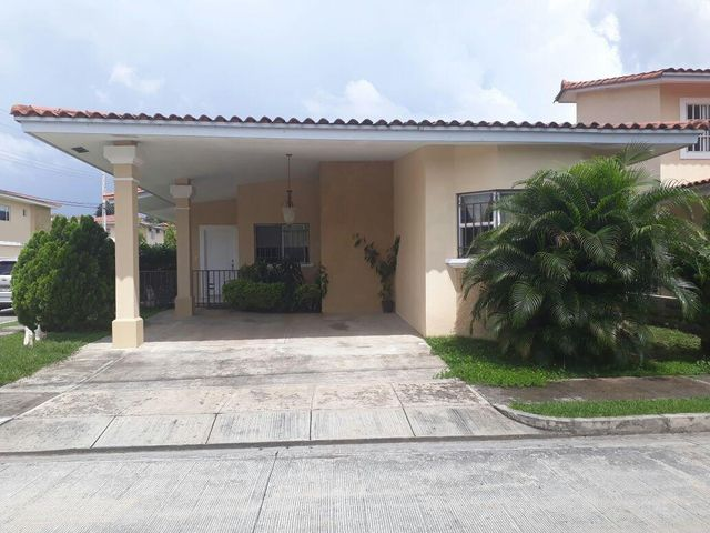 PANAMA VIP10, S.A. Casa en Venta en Brisas Del Golf en Panama Código: 17-2478 No.1