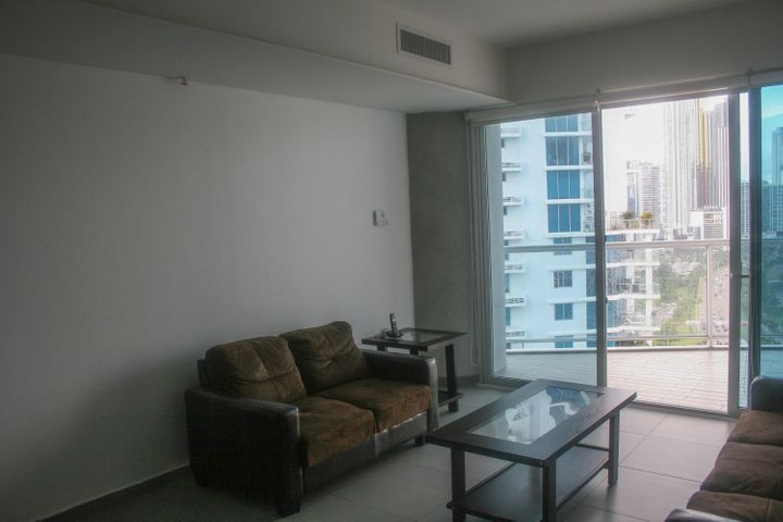 PANAMA VIP10, S.A. Apartamento en Alquiler en Avenida Balboa en Panama Código: 17-6226 No.2