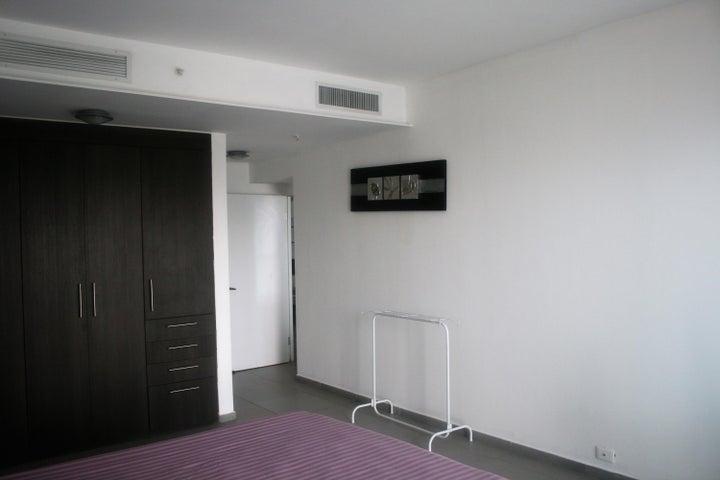PANAMA VIP10, S.A. Apartamento en Alquiler en Avenida Balboa en Panama Código: 17-6226 No.8