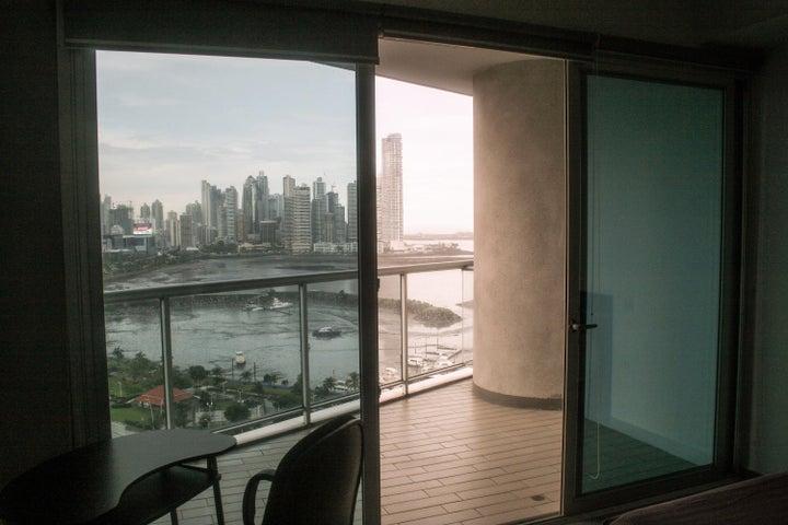 PANAMA VIP10, S.A. Apartamento en Venta en Avenida Balboa en Panama Código: 17-6229 No.9
