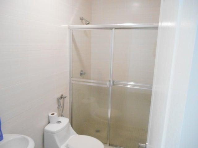 PANAMA VIP10, S.A. Apartamento en Alquiler en El Cangrejo en Panama Código: 17-6245 No.3