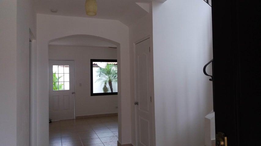 PANAMA VIP10, S.A. Casa en Venta en Versalles en Panama Código: 17-6246 No.1