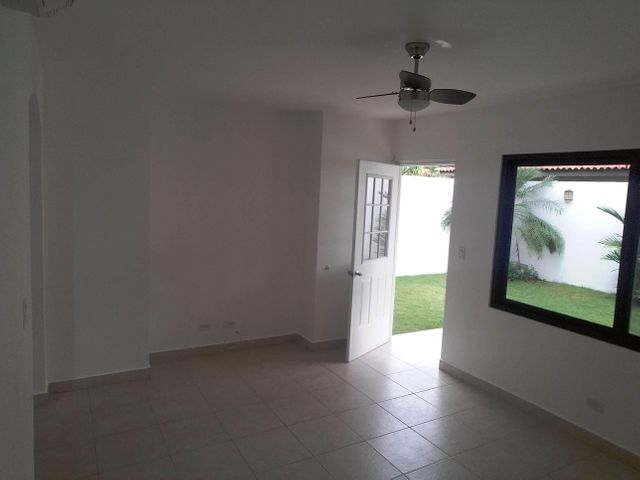 PANAMA VIP10, S.A. Casa en Venta en Versalles en Panama Código: 17-6246 No.9