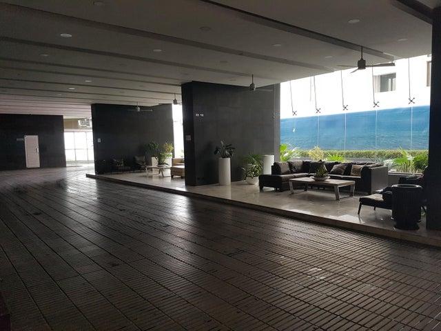 PANAMA VIP10, S.A. Apartamento en Alquiler en Punta Pacifica en Panama Código: 17-6375 No.2