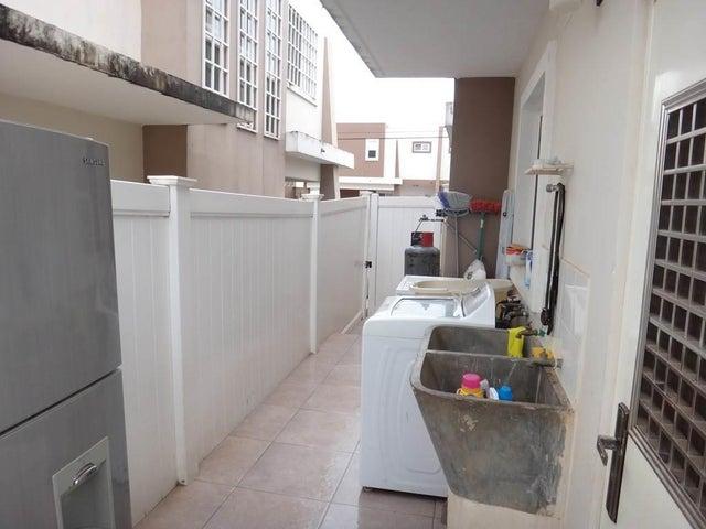 PANAMA VIP10, S.A. Casa en Venta en Brisas Del Golf en Panama Código: 17-6324 No.5