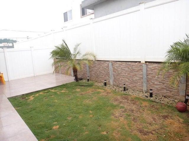 PANAMA VIP10, S.A. Casa en Alquiler en Brisas Del Golf en Panama Código: 17-6327 No.7
