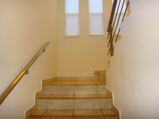 PANAMA VIP10, S.A. Casa en Alquiler en Brisas Del Golf en Panama Código: 17-6327 No.8
