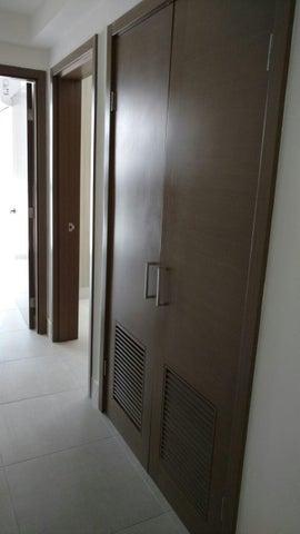 PANAMA VIP10, S.A. Apartamento en Alquiler en Obarrio en Panama Código: 17-6349 No.6