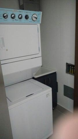 PANAMA VIP10, S.A. Apartamento en Alquiler en Obarrio en Panama Código: 17-6349 No.7