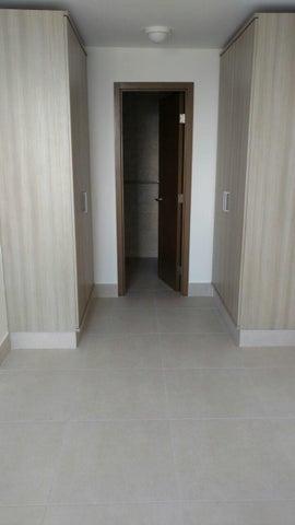 PANAMA VIP10, S.A. Apartamento en Alquiler en Obarrio en Panama Código: 17-6349 No.9