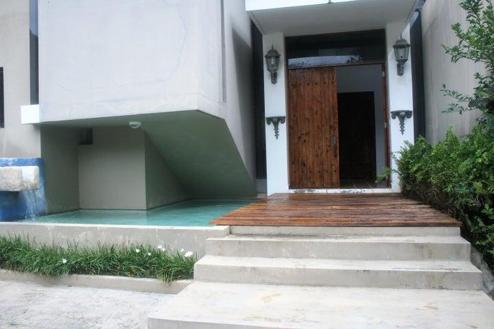 PANAMA VIP10, S.A. Casa en Venta en Coronado en Chame Código: 17-5897 No.1