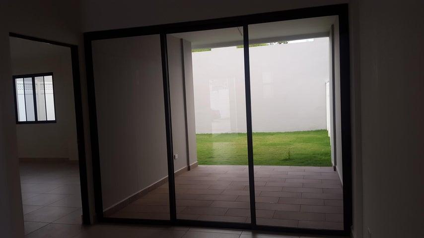 PANAMA VIP10, S.A. Casa en Alquiler en Brisas Del Golf en Panama Código: 17-6543 No.6