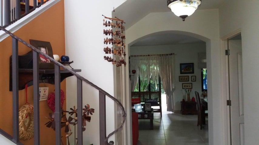 PANAMA VIP10, S.A. Casa en Venta en Versalles en Panama Código: 17-6560 No.1