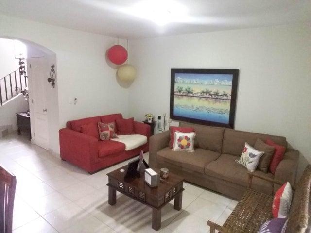PANAMA VIP10, S.A. Casa en Venta en Versalles en Panama Código: 17-6560 No.5
