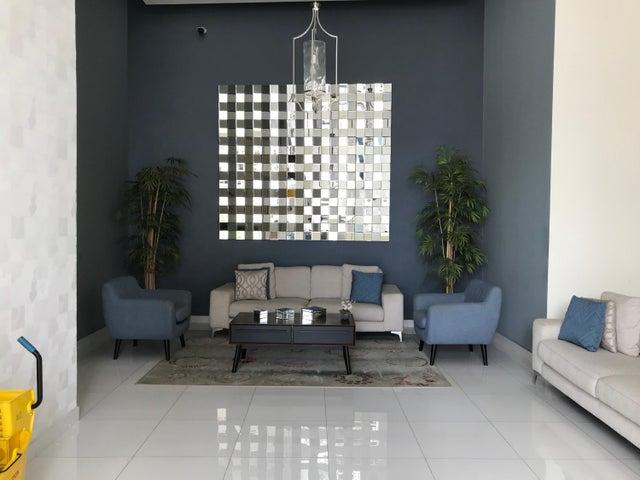 PANAMA VIP10, S.A. Apartamento en Alquiler en Carrasquilla en Panama Código: 17-6595 No.2