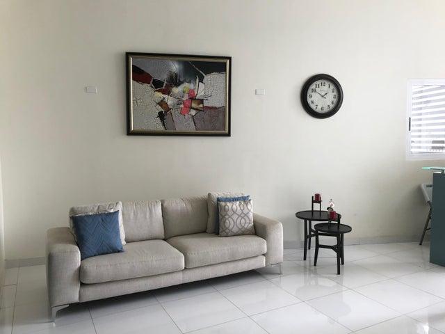 PANAMA VIP10, S.A. Apartamento en Alquiler en Carrasquilla en Panama Código: 17-6595 No.3