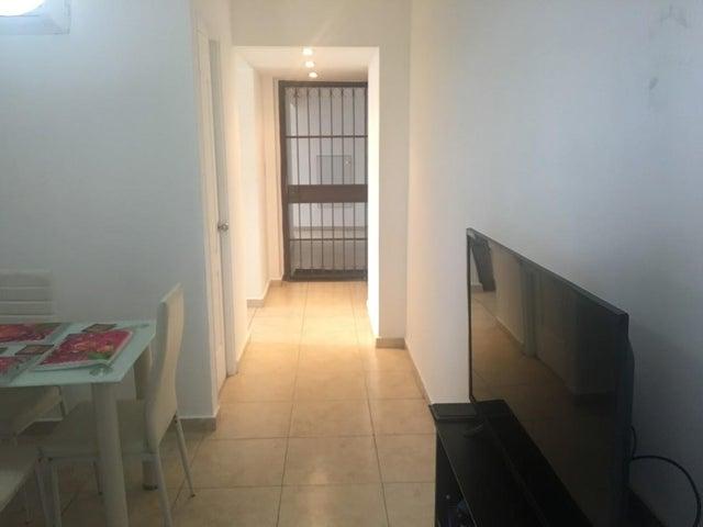 PANAMA VIP10, S.A. Apartamento en Venta en Carrasquilla en Panama Código: 17-6603 No.4
