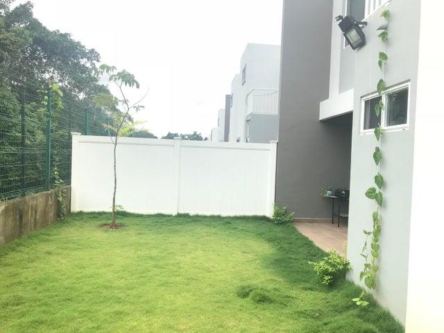 PANAMA VIP10, S.A. Casa en Venta en Brisas Del Golf en Panama Código: 17-6629 No.2