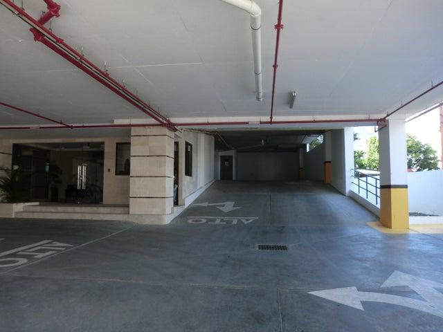 PANAMA VIP10, S.A. Apartamento en Alquiler en Carrasquilla en Panama Código: 17-6641 No.1