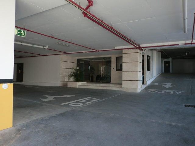 PANAMA VIP10, S.A. Apartamento en Alquiler en Carrasquilla en Panama Código: 17-6641 No.2
