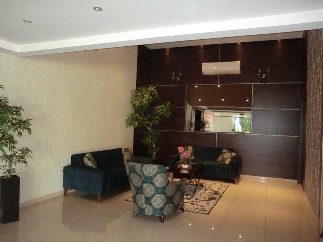 PANAMA VIP10, S.A. Apartamento en Alquiler en Carrasquilla en Panama Código: 17-6641 No.4