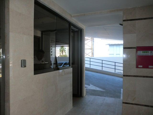 PANAMA VIP10, S.A. Apartamento en Alquiler en Carrasquilla en Panama Código: 17-6641 No.3